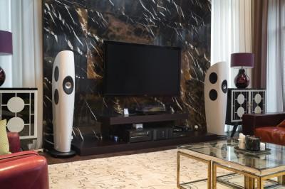 Стереосистема с акустическими системами KEF Blade